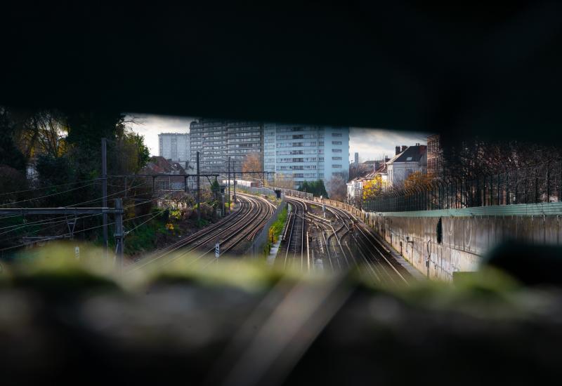 Vue sur les rails de metro